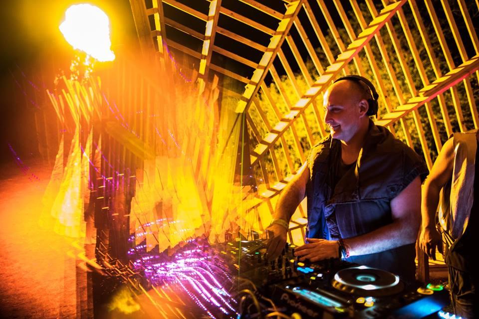 4 hours special Ibiza Flight Club showcase